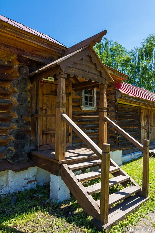 Крыльцо избы-двойни, Музей деревянного зодчества, Суздаль