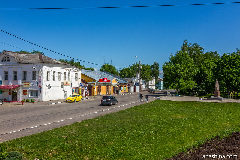 Владимирская улица и памятник Юрию Долгорукому, Юрьев-Польский
