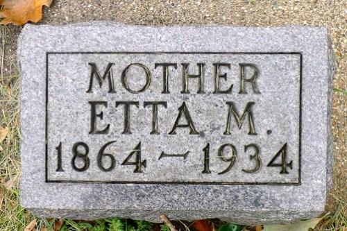Everetta Mae Oberton Reed Delancey Lowcock headstone