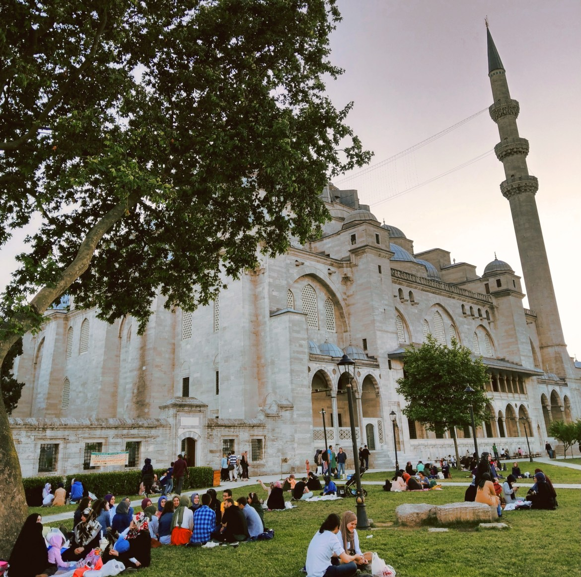 6) Iftar gathering at Suleimaniye Mosque
