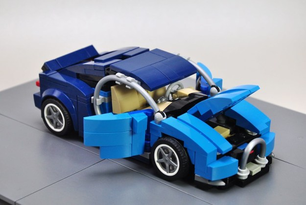 Bugatti Chiron In 7-stud configuration