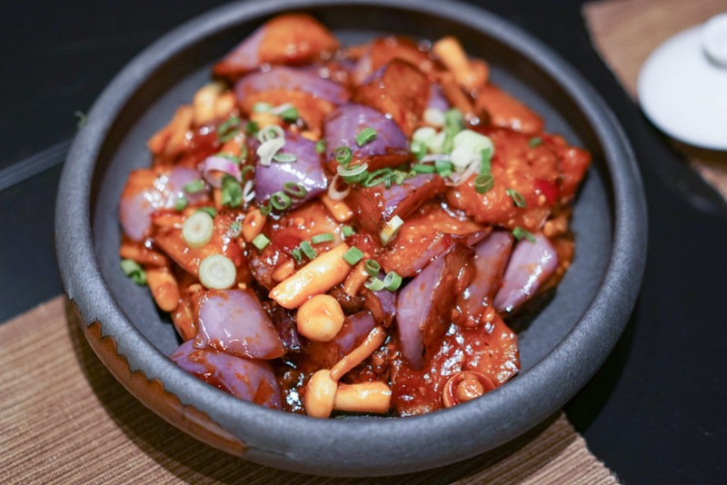 braised sweet and sour eggplant yellow pot