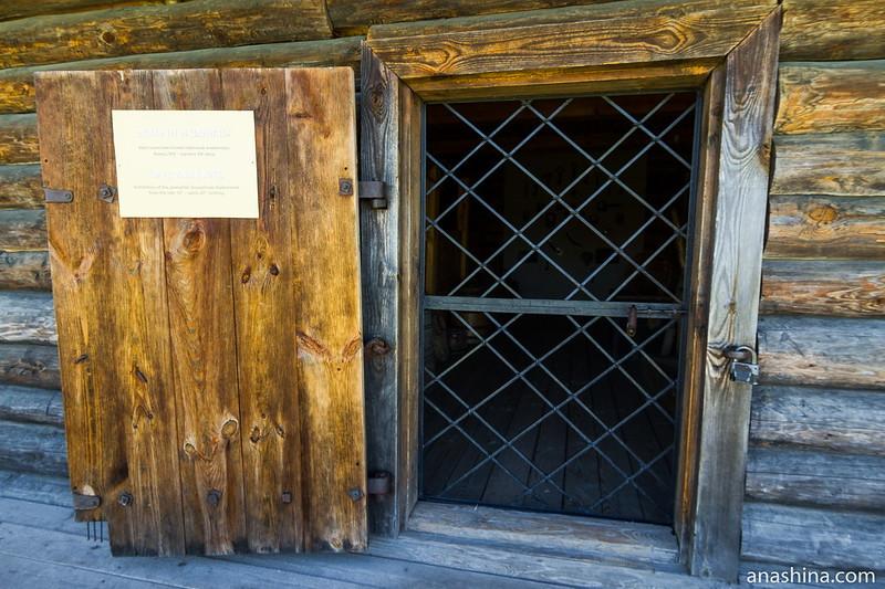 Дверь амбара, Музей деревянного зодчества, Суздаль