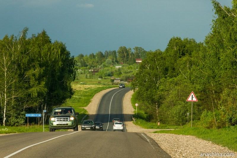 Дорога между Александровым и Кольчугино