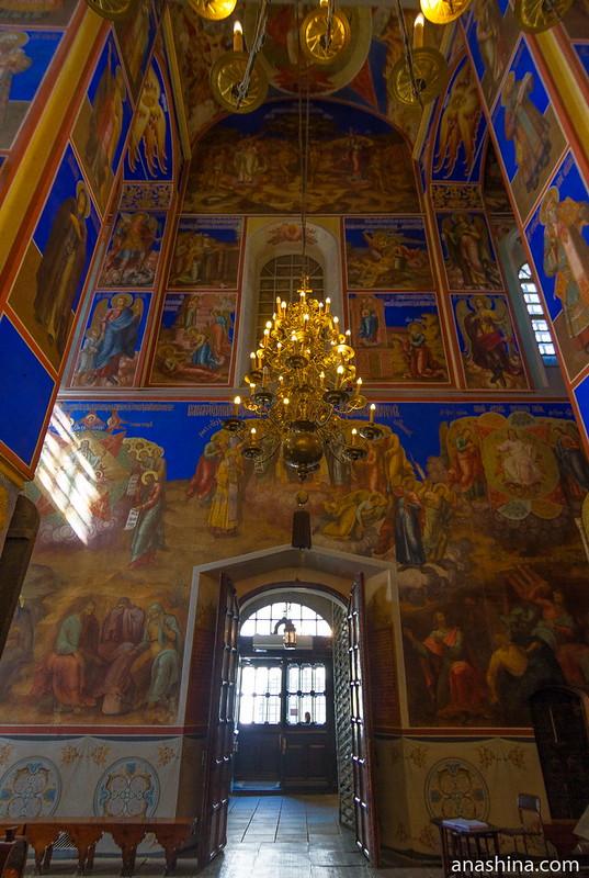 Роспись западной стены и западные золотые врата, собор Рождества Богородицы, Суздаль