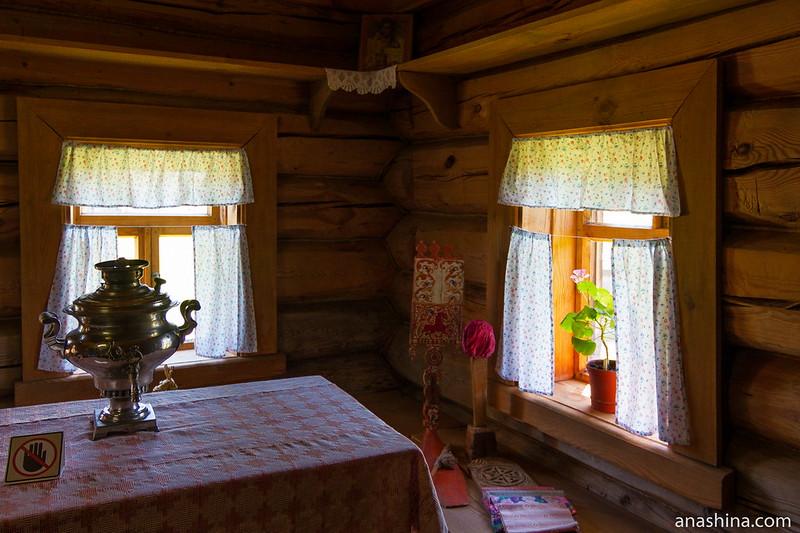 Красный угол, Музей деревянного зодчества, Суздаль
