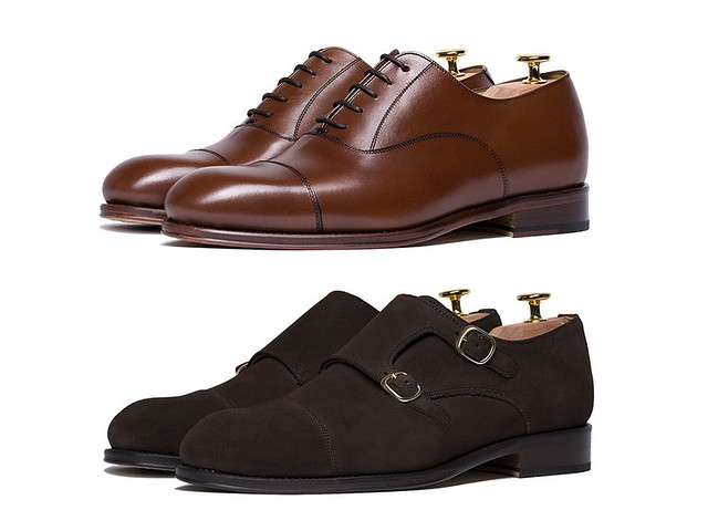 Zapatos masculinos oxford marrones y zapatos monk en ante marrón