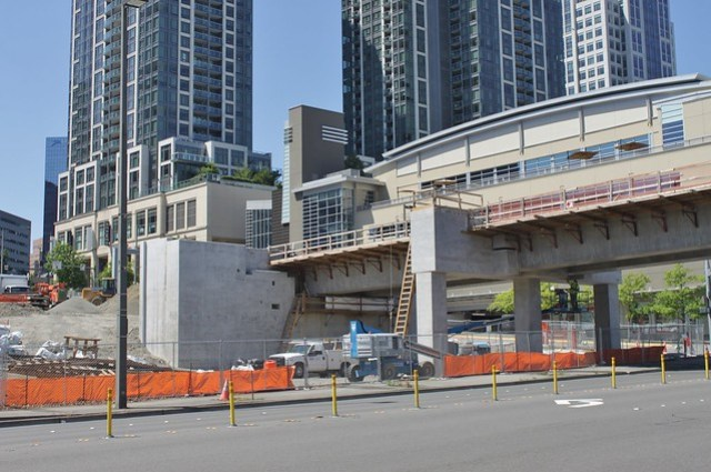 Link construction over 112th Avenue