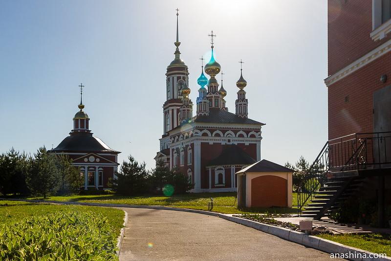 Церковь Михаила Архангела и церковь Флора и Лавра в Михали, Суздаль