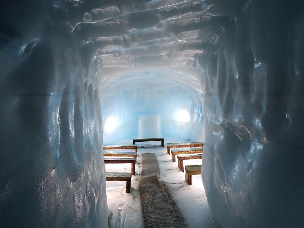 Islandia cueva de hielo artificial en el glaciar Langjökull 10