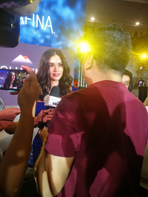 Pia Wurtzbach being interviewed