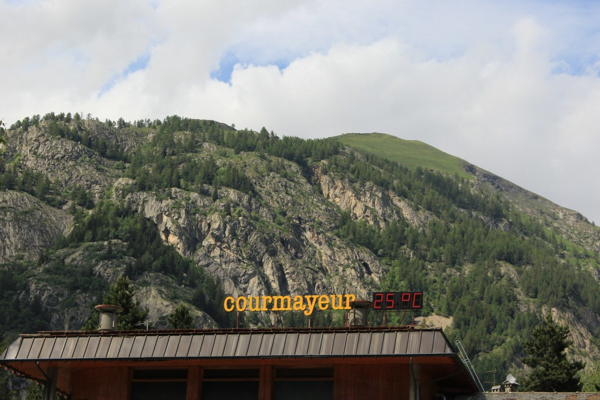 Courmayeur Sign