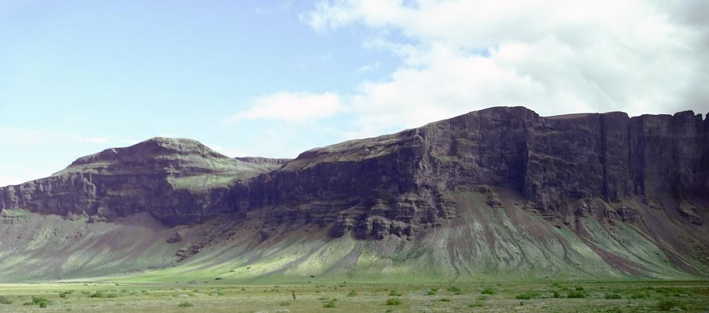 Lómagnúpur montaña Björninn Skeiðarársandur Islandia 03 fotos tomadas desde un autobus
