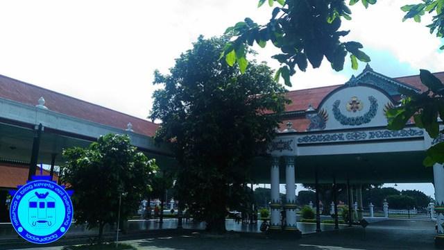 Kereta Api Ekonomi Bandung Jogja (3): Nyambung Kereta Api Logawa