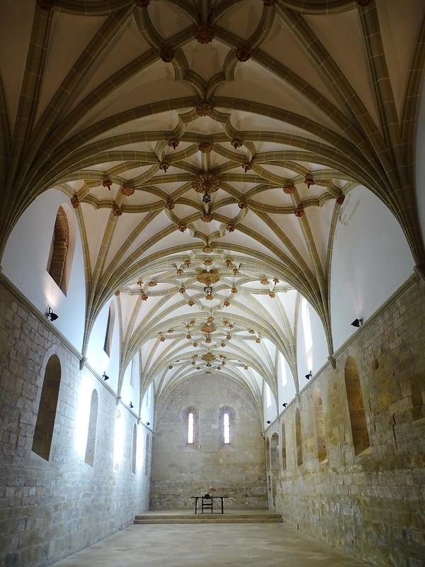Refectorio comedor nave interior Real Monasterio de Santa Maria de Veruela Zaragoza 01