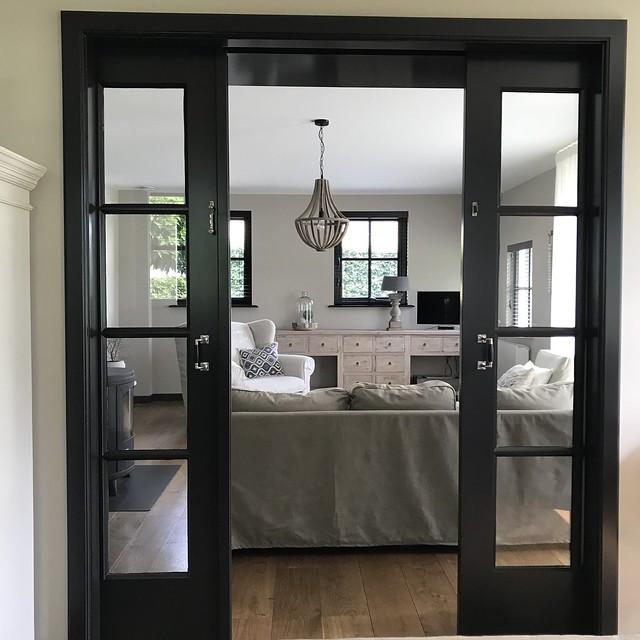 En suite deuren zwart