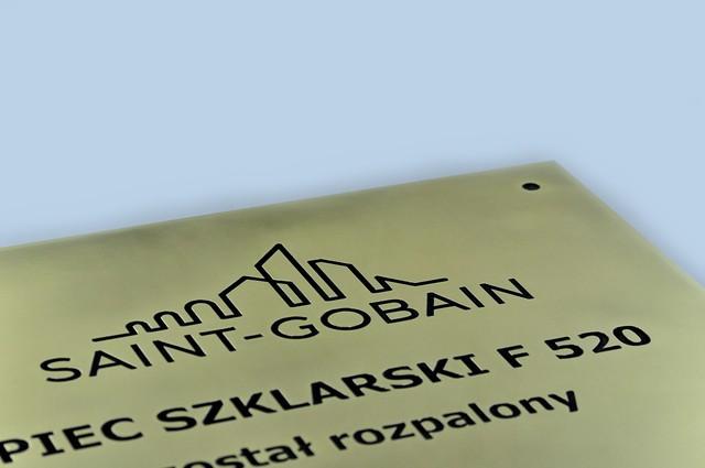 tablica pamiątkowa z mosiądzu