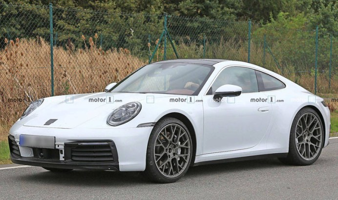 porsche-911-white-spy-shots (1)