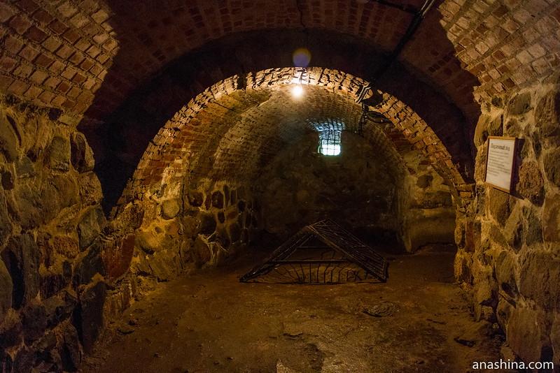 Подземелья Круглой башни и подземный ход, крепость Корела в Приозерске