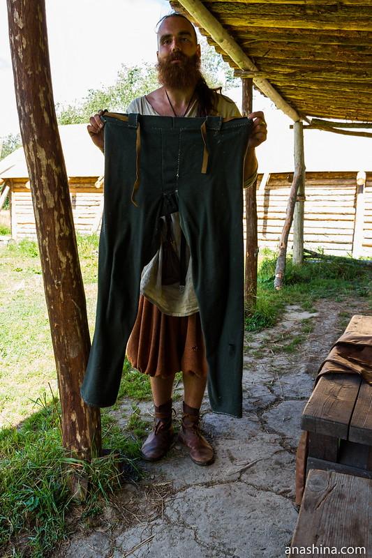 Реконструкция штанов эпохи викингов, музей живой истории эпохи викингов Бьоркагард