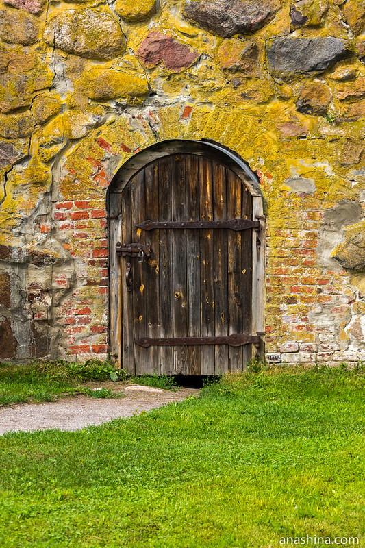 Дверь в Кавальер-бастион