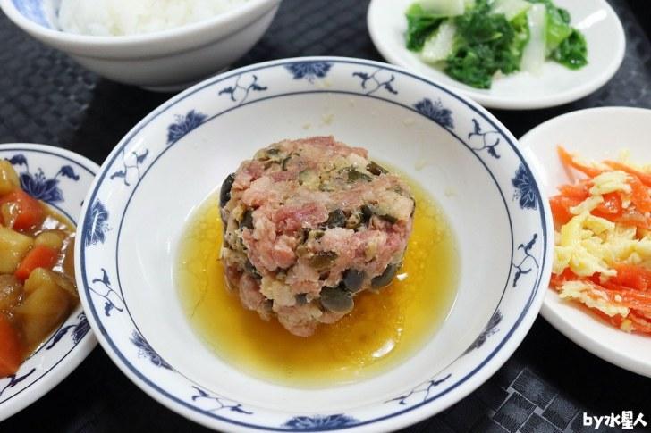 42675252060 de0a97ee4e b - 聯歡小西門|台中超過40年老字號懷舊盒餐,燉肉飯、蛋黃瓜仔肉飯好吃!