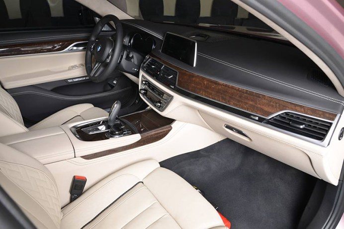 BMW-7-pink (3)