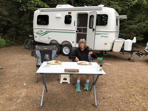 Pancake Bay - campsite dinner facing the trailer