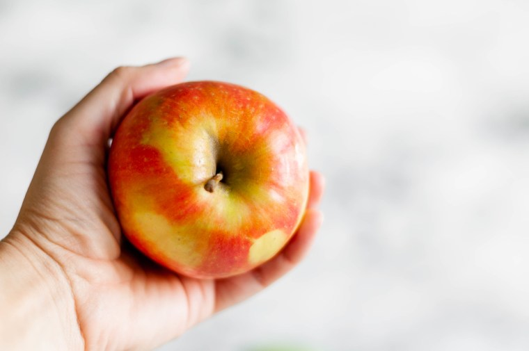 Today I'm sharing a guide to the best apples for baking. My 5 favorites for apples pies, crisps and more are included. Honeycrisp, Granny Smith, Jonagold, Braeburn and Pink Lady all made the cut.