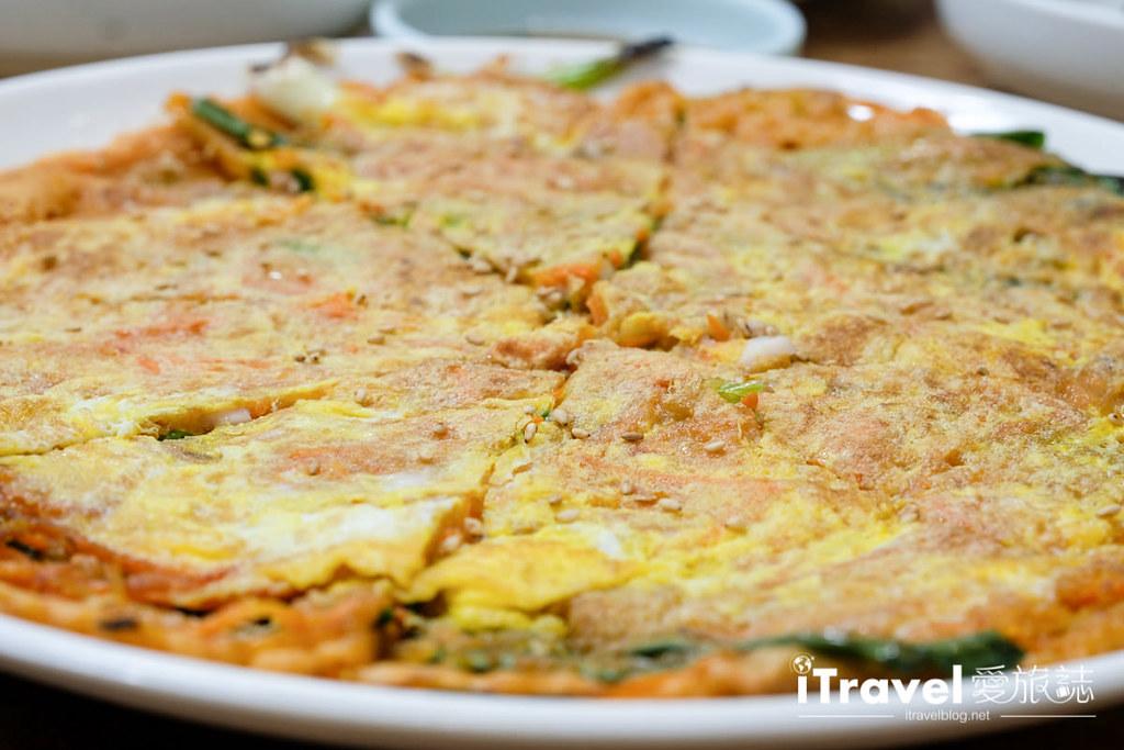釜山地雷餐廳 五福蔘雞湯 (12)