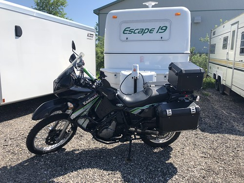 Owen Sound - storage unit with bike and trailer