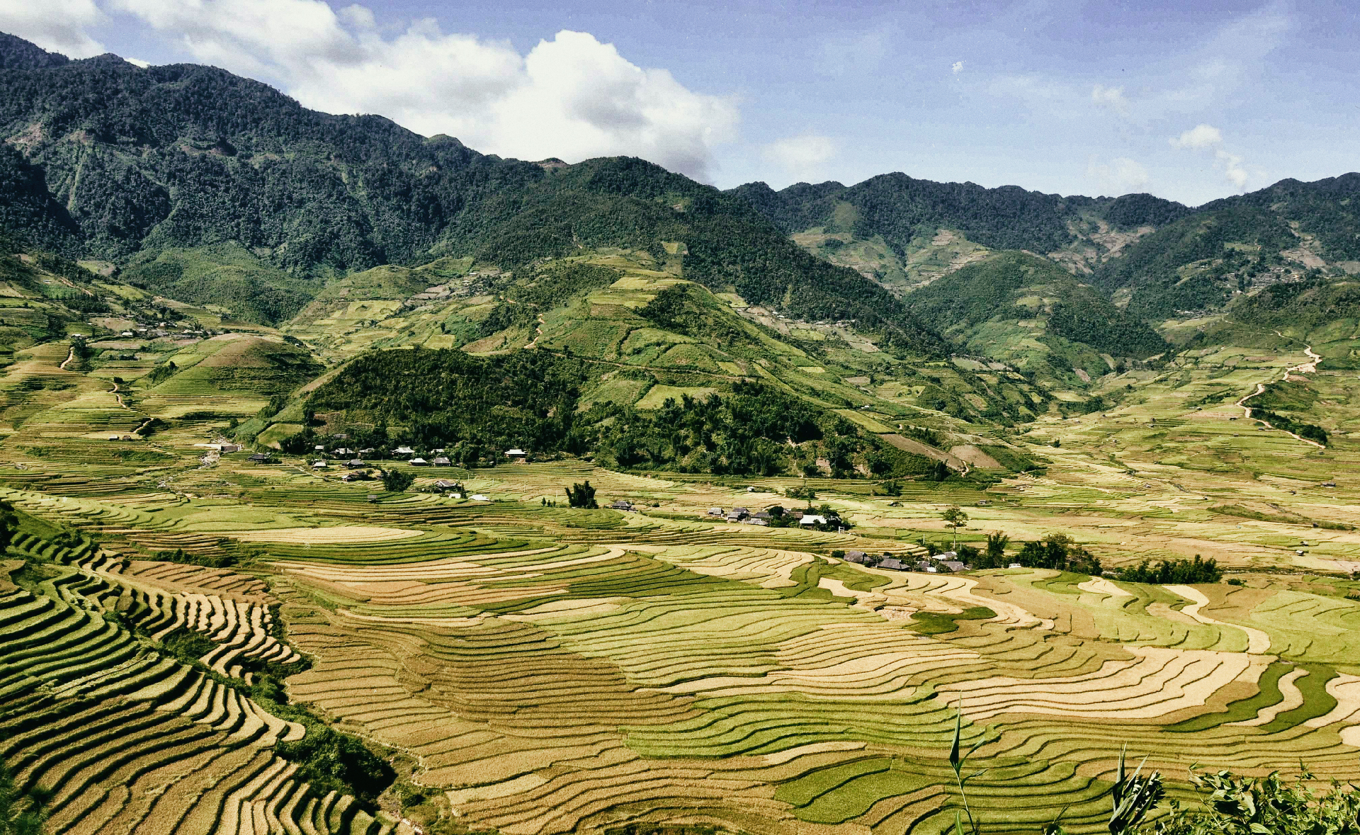 Sapa-Panorama-Outlanderly-Vietnam-Travel-Nomad