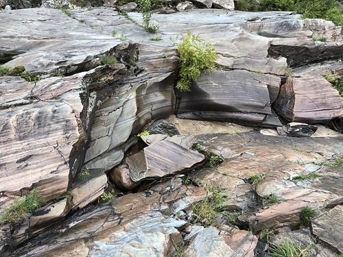 Chutes Provincial Park - worn rock