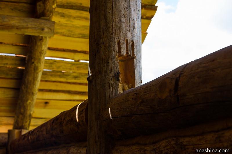 Крепление бревен к каркасу, музей живой истории эпохи викингов Бьоркагард, Берёзово