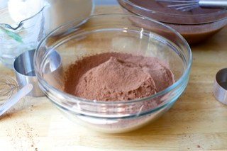 sift dry ingredients