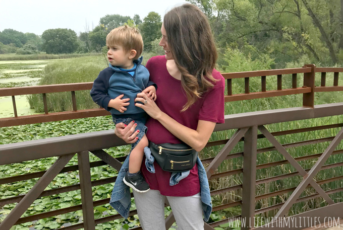 Have you seen the new Fawny Pack from Fawn Design? It's the best fanny pack on the market! Here's why you should get one, where to wear it, and how to rock it like a mother!