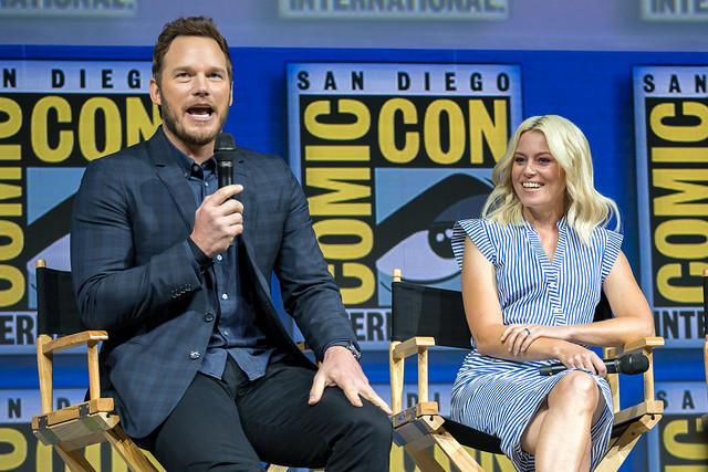 Chris Pratt and Elizabeth Banks