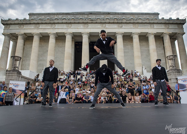 Flyingsteps @Lincoln Memorial