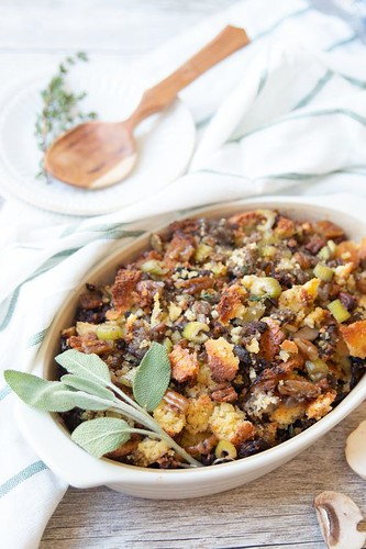 #Keto #cornbread #stuffing #holiday #recipe #thanksgiving #Christmas #dinner https://www.dietdoctor.com/recipes/keto-cornbread-stuffing