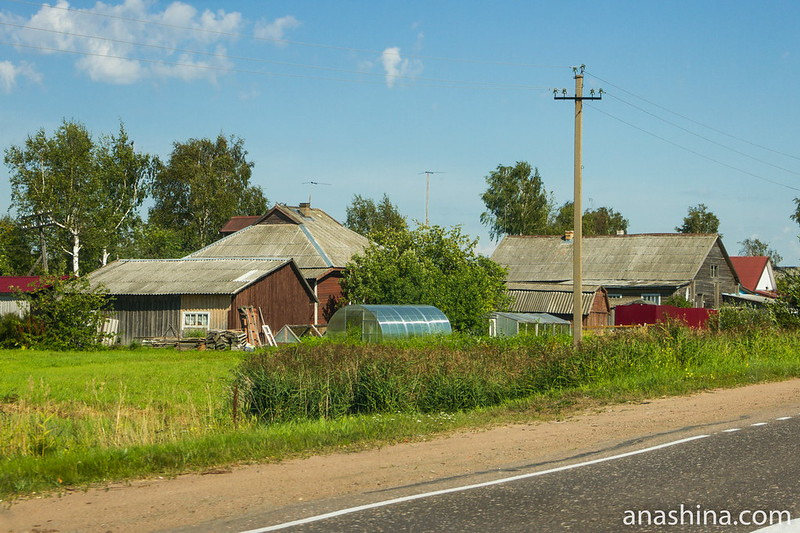 Дома вдоль дороги, Карелия