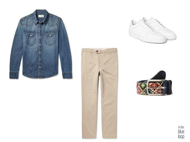 Look décontracté avec des baskets blanches, une ceinture en tauce à trous bleus, un pantalon chino et une chemise en jean bleue