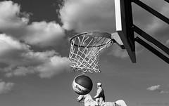 Basketball vor Sohn Carl Wilhelm Ferdinands