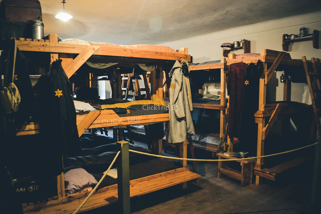 Reconstrucción de barracones | Campo de concentración de Terezín