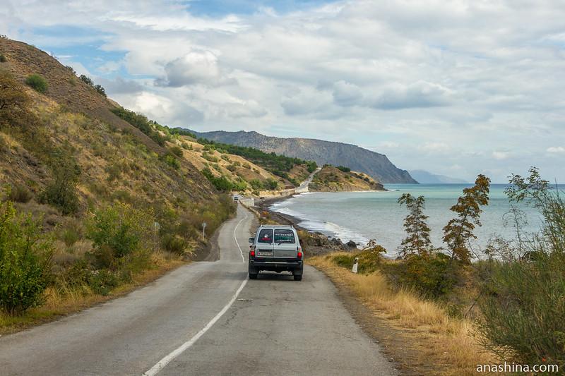 Дорога вдоль берега, Крым