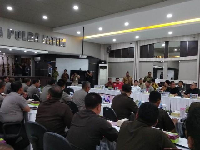 Suasana Rakor Kesiapan Pemilu 2019 di Mapolda Jatim, Selasa (6/11)
