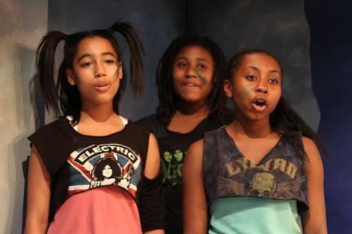 Ceanna Bryant, Chinue Ellis, Simone Singletary in ODD DAY RAIN - TADA!