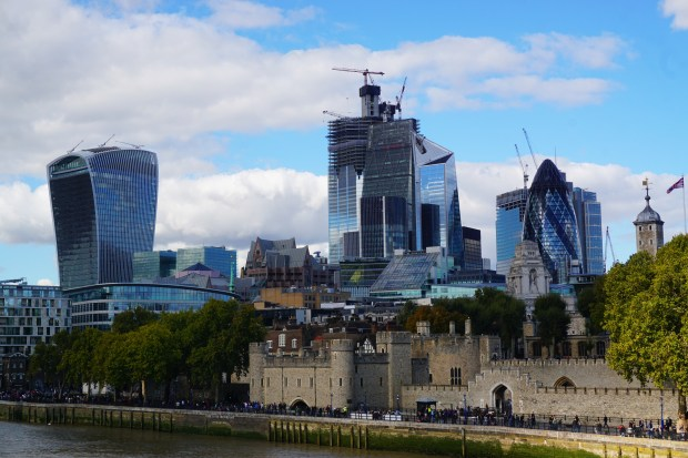 The Tower of London and the business district