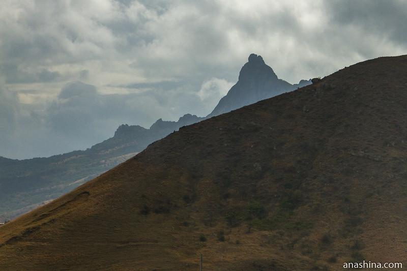Горный массив Карадаг, Крым