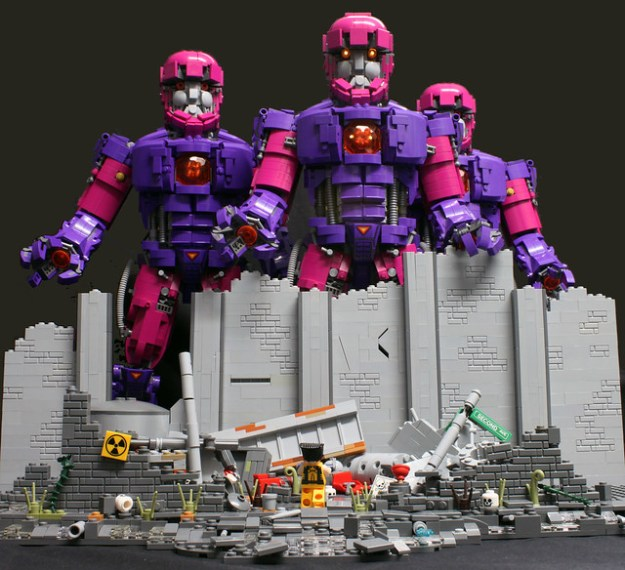 Wolverine goes toe to claw with three sentinels in this gigantic LEGO creation