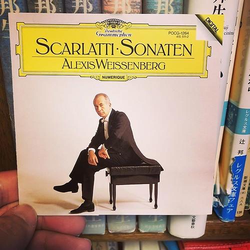 スカルラッティのソナタ集。初めて聞いたけれど、典雅な均整美にため息が出ます。ワイセンベルク、素晴らしい。